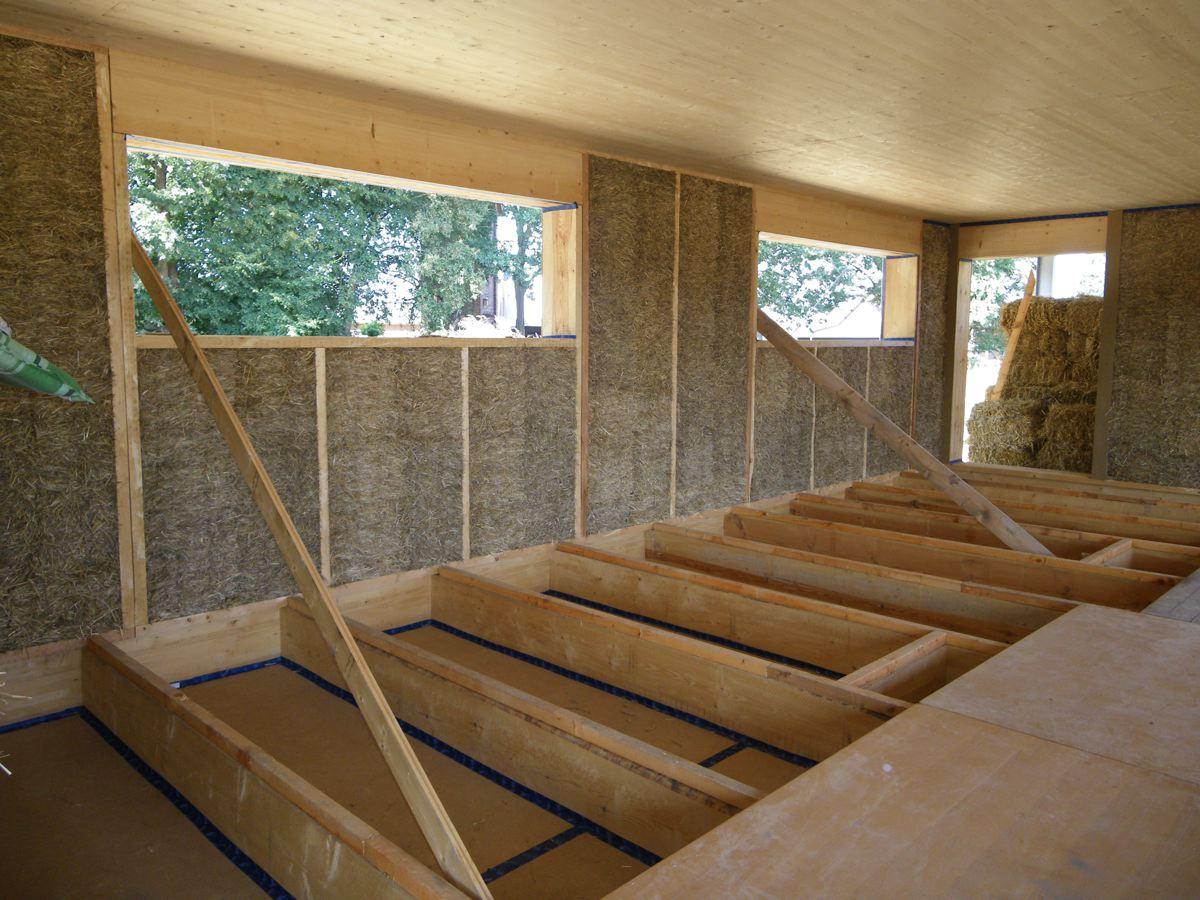 strohballenhaus stroheinfachung strohkompression stroh rasieren. Black Bedroom Furniture Sets. Home Design Ideas